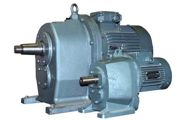 Мотор-редуктор цилиндрический двухступенчатый 4МЦ2С63